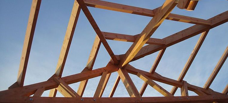 Charpente bois de bâtiment de stockage