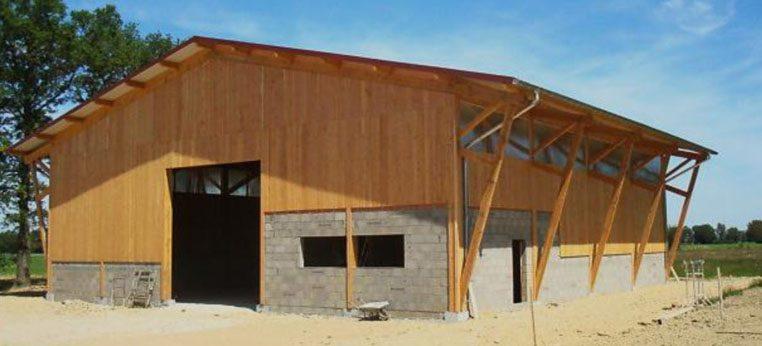 Construction de b timents pro en structures bois par piron for Batiment structure bois
