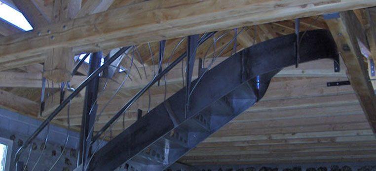 Structure bois pour accueillir un escalier métalique